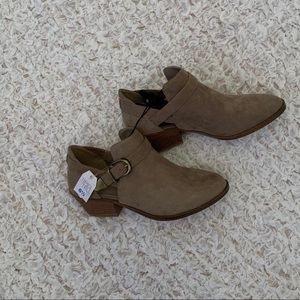 Time and Tru Booties Size 6.5